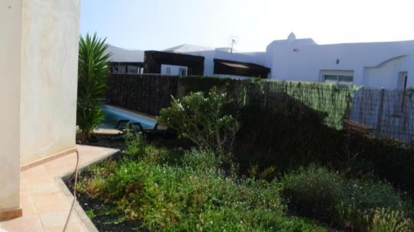 Casa Con Terreno in Oliva (la)
